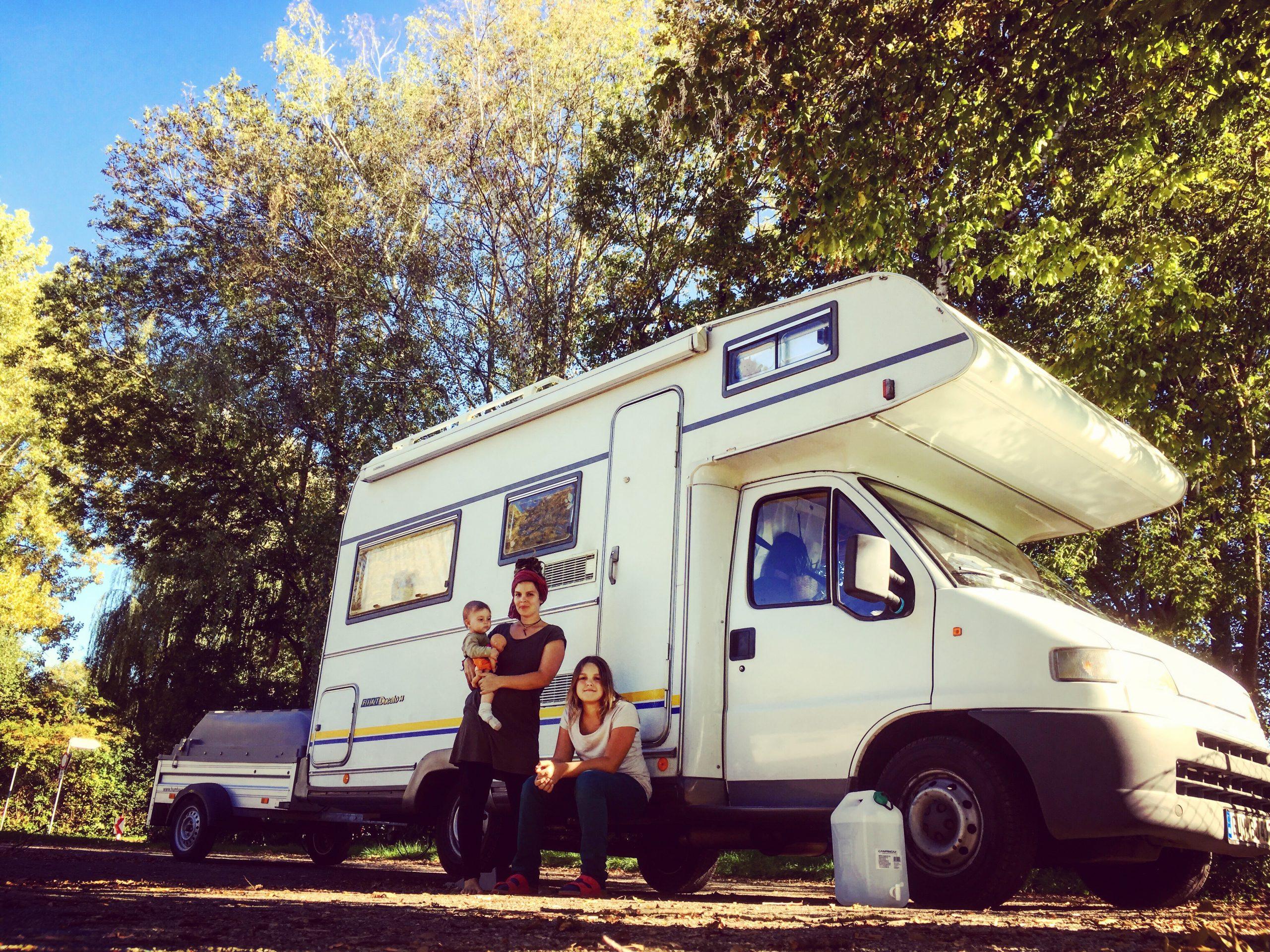 Leben im Wohnwagen, leben in der Natur, leben im Wohnmobil, greenlygreeen